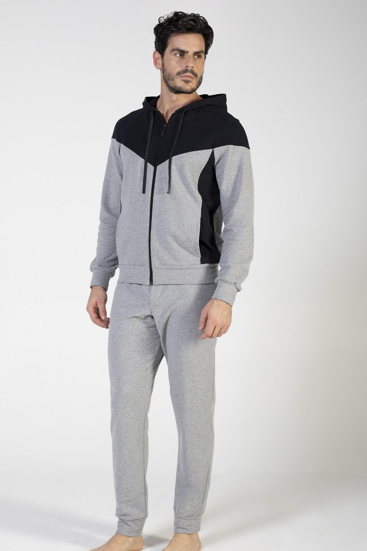 Tuta in felpa elastico di cotone con cappuccio e tasche laterali, pantalone con polso e tasche laterali verdiani uomo