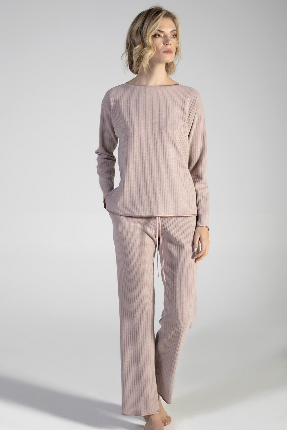 Lounge Set in costina con inserti in raso verdiani loungewear